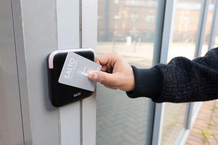 Keyless Connected Smart Door Locks